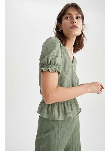 DeFacto V Yaka Büzgülü Bel ve Kol Detaylı Bluz Yeşil